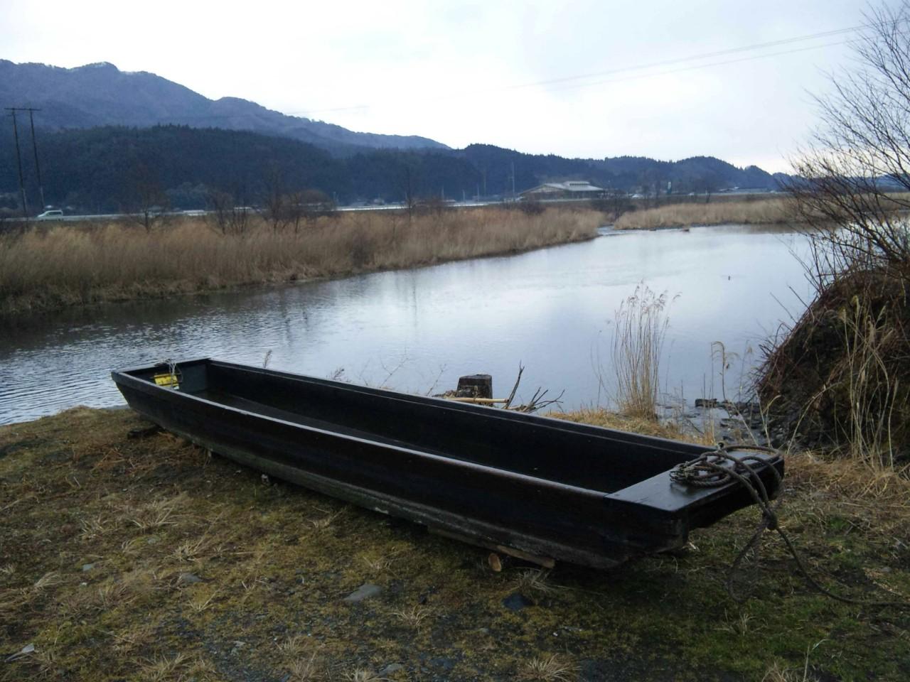 気仙川の漁舟